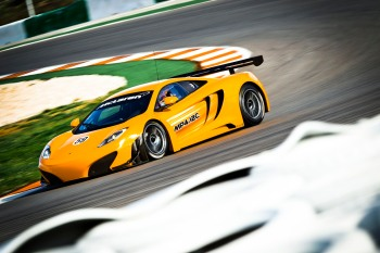 mclaren_mp4_12c_gt3_press_images_011