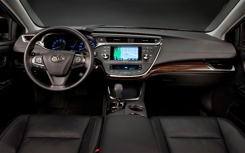 2013 toyota avalon yup it s still a toyota the. Black Bedroom Furniture Sets. Home Design Ideas