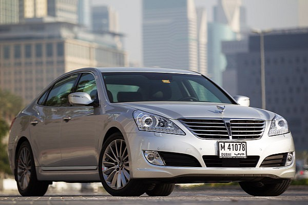 2014-hyundai-equus-facelift-first-photos-medium_1