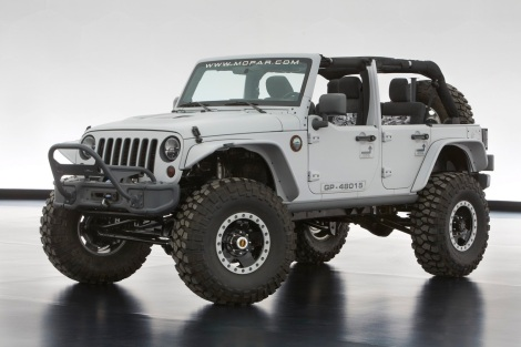 The Jeep Wrangler Mopar Recon features a gray exterior and a little extra firepower with a 6.4-liter HEMI V-8 crate engine from Mopar.