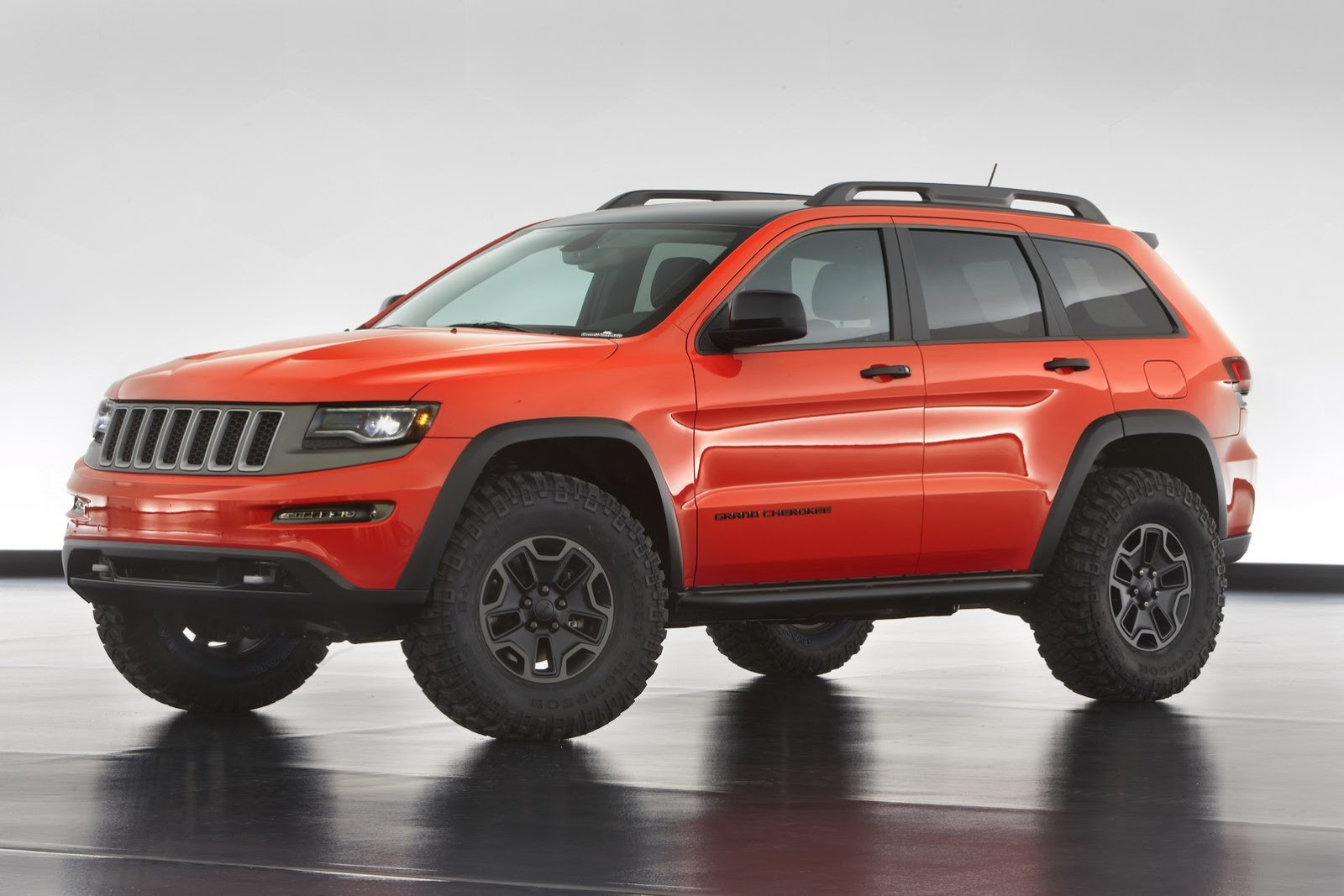 2014 jeep err 6 new models nyias preview the checkered flag. Black Bedroom Furniture Sets. Home Design Ideas